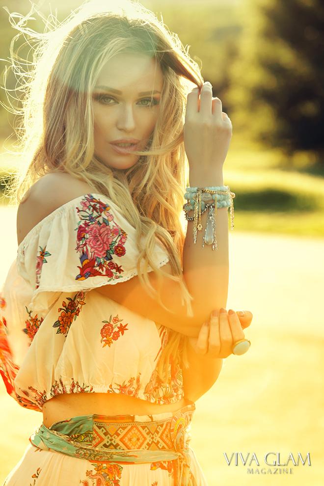 coachella-music-festival-katarina-van-derham-viva-glam-magazine-love-thirteen-spell-designs-cashmere-hair